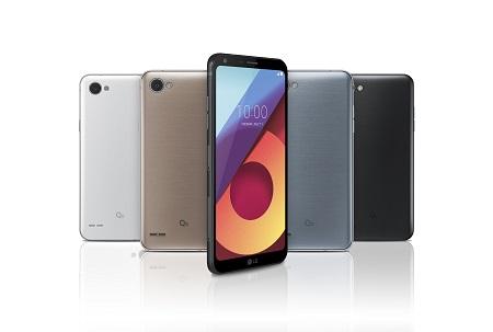 LG Q6.jpg