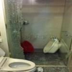 [포토]욕실 샤워부스 수류탄처럼 자폭...불량 아니라고?