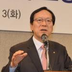 김용환 NH농협지주 회장, '빅배스' 위기 넘기고 연임 '청신호'...해외서도 순항