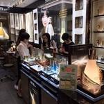 '한류' 수혜 누리던 화장품업계 사드 보복 충격은?...중국매출 비중 아모레 40%, LG생건 18%