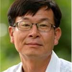 문재인 대통령, 공정거래위원장에 '경제개혁 전문가' 김상조 한성대 교수 지명