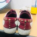 [노컷영상] 해외 명품 신발, 부품 없으니 시장에서 직접 사서 고치라고?