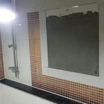 화장실 2개 LH아파트 한쪽은 타일 다른쪽은 시멘트 마감, 부실시공 의혹