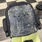 [노컷영상] 흙 투성이 쓰레기 자재로 만든 사무용 의자
