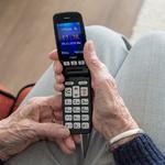 [노인위한금융은없다③] 노인 위한다는 전용전화 서비스, 알고 보니 '유료'