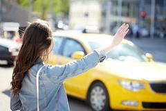 [칼럼] 택시 타기가 부담스럽다 해법은 없을까?