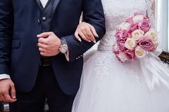 결혼정보업체의 유료 앱 무료 전환 두고 '동상이몽'