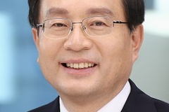 손태승 행장, 우리금융지주 회장 겸임에 성공한 비결은?