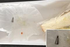 [노컷영상] 유명브랜드 샌드위치서 기계 부품같은 이물 나와