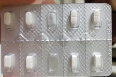 """타이레놀 포장재는 10칸인데 약은 8개뿐, 불량?....""""편의점용이라서~"""""""
