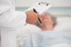 [지식카페] 대퇴골 골절 늦게 진단한 병원, 손해배상 의무 있을까?