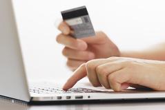 생명보험 보험료 카드납부 비중 4.3% 불과...한화 교보등 6개사 원천봉쇄