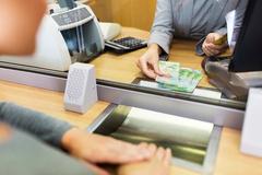 보험 · 카드사, 대출 문턱 낮추기 경쟁...상품권 · 커피쿠폰 선물 이벤트