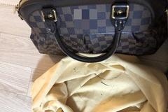 [노컷영상] 명품가방 가죽유약 옷에 묻어나는데 '보관상 과실'이라고?