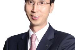 신세계그룹, 이마트 실적부진 타개위해 CEO 첫 외부영입...강희석 대표 선임