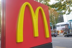[현장] 위생논란에 맞대응한 맥도날드 주방공개 직접 가보니