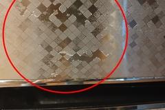 [노컷영상] 코팅 벗겨져 흉물된 냉장고, 수리비가 무려 80만 원