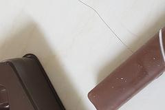 [노컷영상] 수능선물로 받은 초콜릿에 머리카락 박혀있어