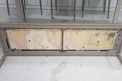[노컷영상] 유명 브랜드 식탁의자 뜯어보니 내부엔 폐자재 가득