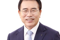 조용병 신한금융지주 회장 사실상 연임...차기 회장 후보 단독 추천